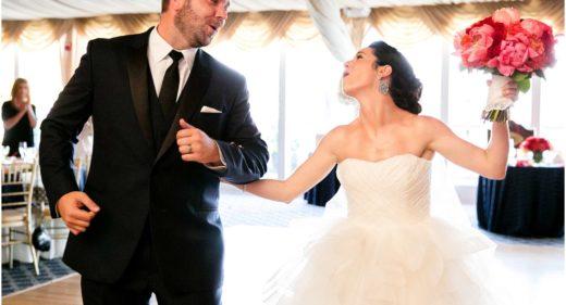 Bridgeview Yacht Club Wedding bride and groom singing